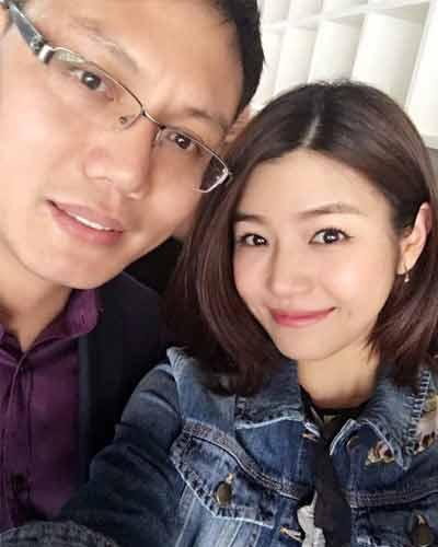 明星公(gong)司經紀人(ren)與陳(chen)妍希