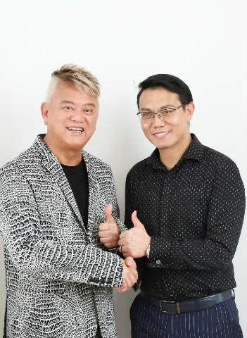 陳(chen)百祥(xiang)合影